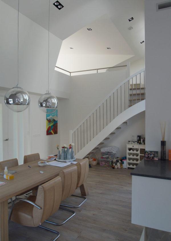 bop-villa-rendorppark-foto-interieur-trap